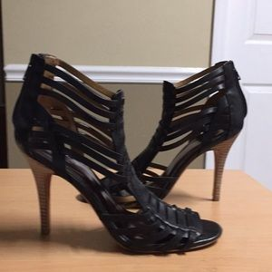 Coach black stiletto heels back zip sz 10